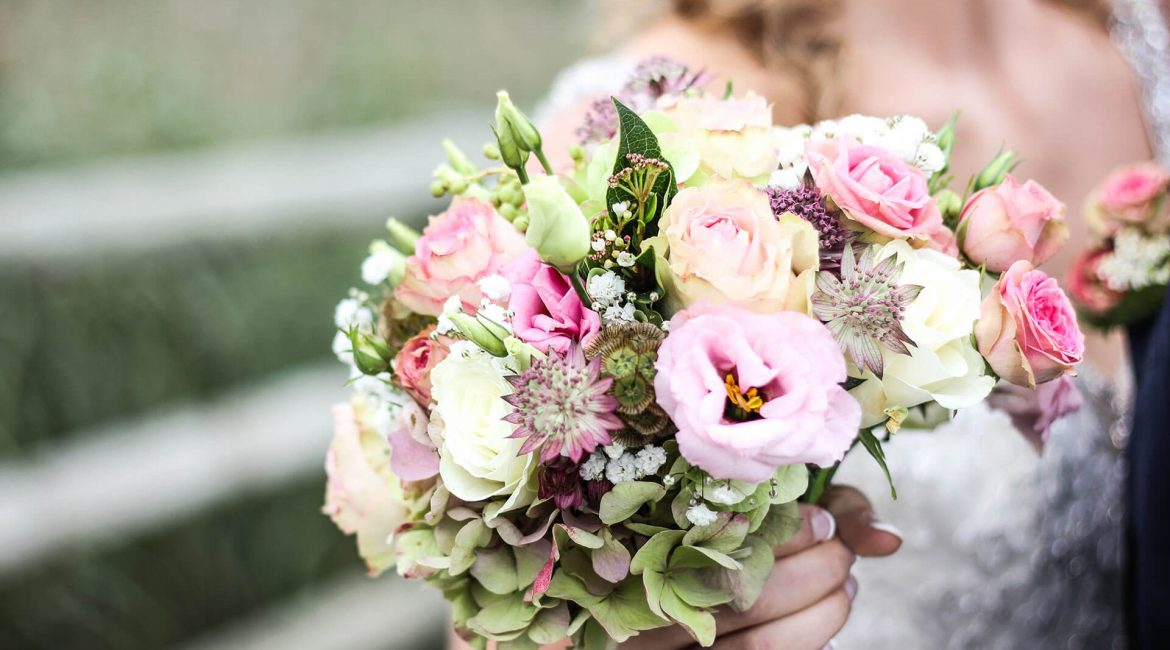 Shooting flowers and bouquets